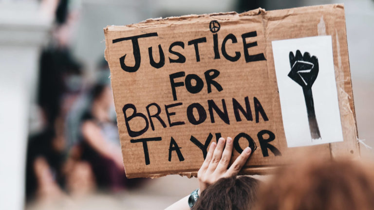 Read more about the article An Indictment of the System: Protests Erupt as Cops Cleared for Killing Breonna Taylor in Her Home
