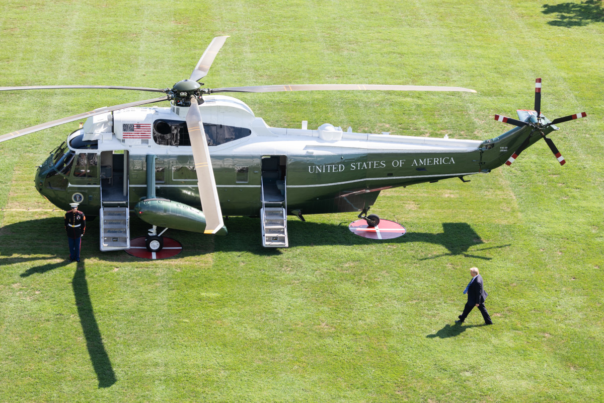 Trump's new helicopter has a flaw: It scorches the White House lawn - Task & Purpose
