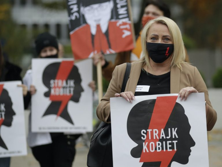 Read more about the article Nationwide strike in Poland over abortion ruling