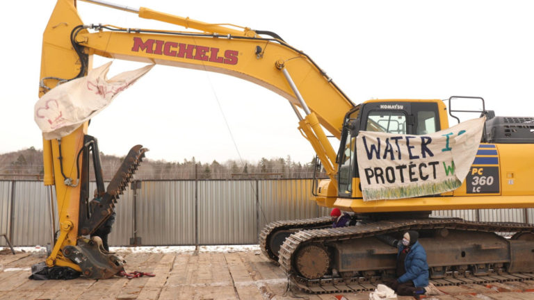 Read more about the article Indigenous Groups Vow to Keep Resisting as Construction Is Approved for Enbridge Tar Sands Pipeline