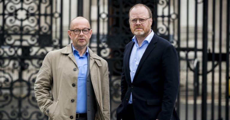 Read more about the article Police to pay out £875,000 over the arrest of two journalists