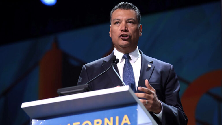 Read more about the article California Is 40% Latinx. In Alex Padilla, It Will Finally Have Its First Latinx Senator