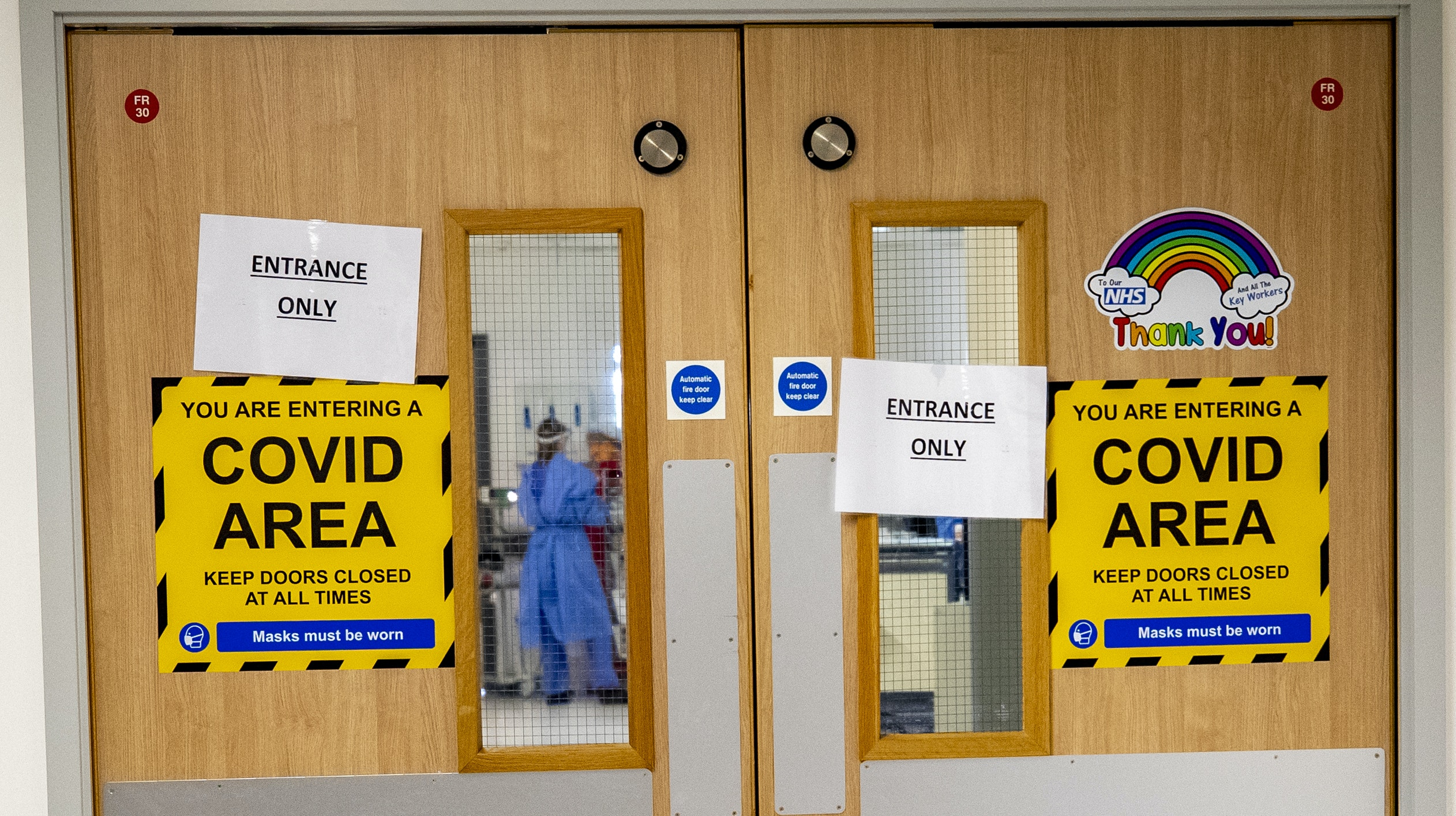 Read more about the article Hospitals compared to 'warzones' and 'stretched to breaking point'