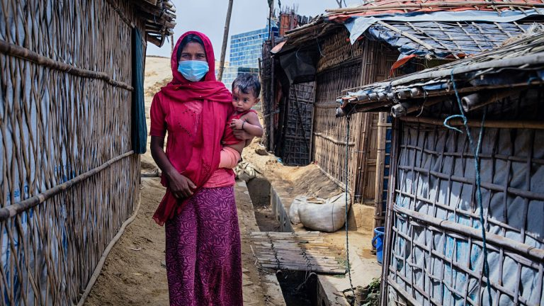 Read more about the article Inequality Virus: Pandemic Widens Wealth Gap for Women, People of Color as Billionaire Profits Soar
