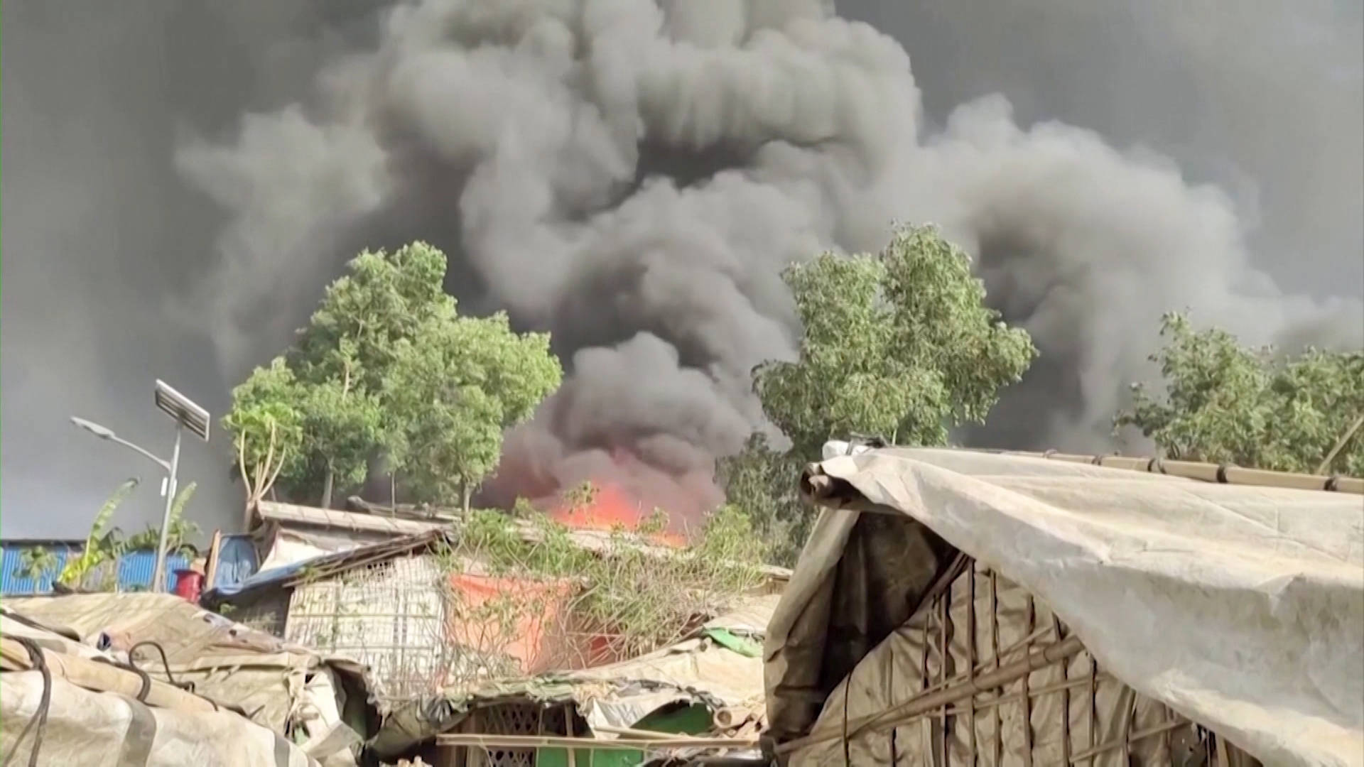 """Read more about the article """"Tragic Moment"""": Rohingya Suffer New Blow as Cox's Bazar, World's Largest Refugee Camp, Burns Down"""