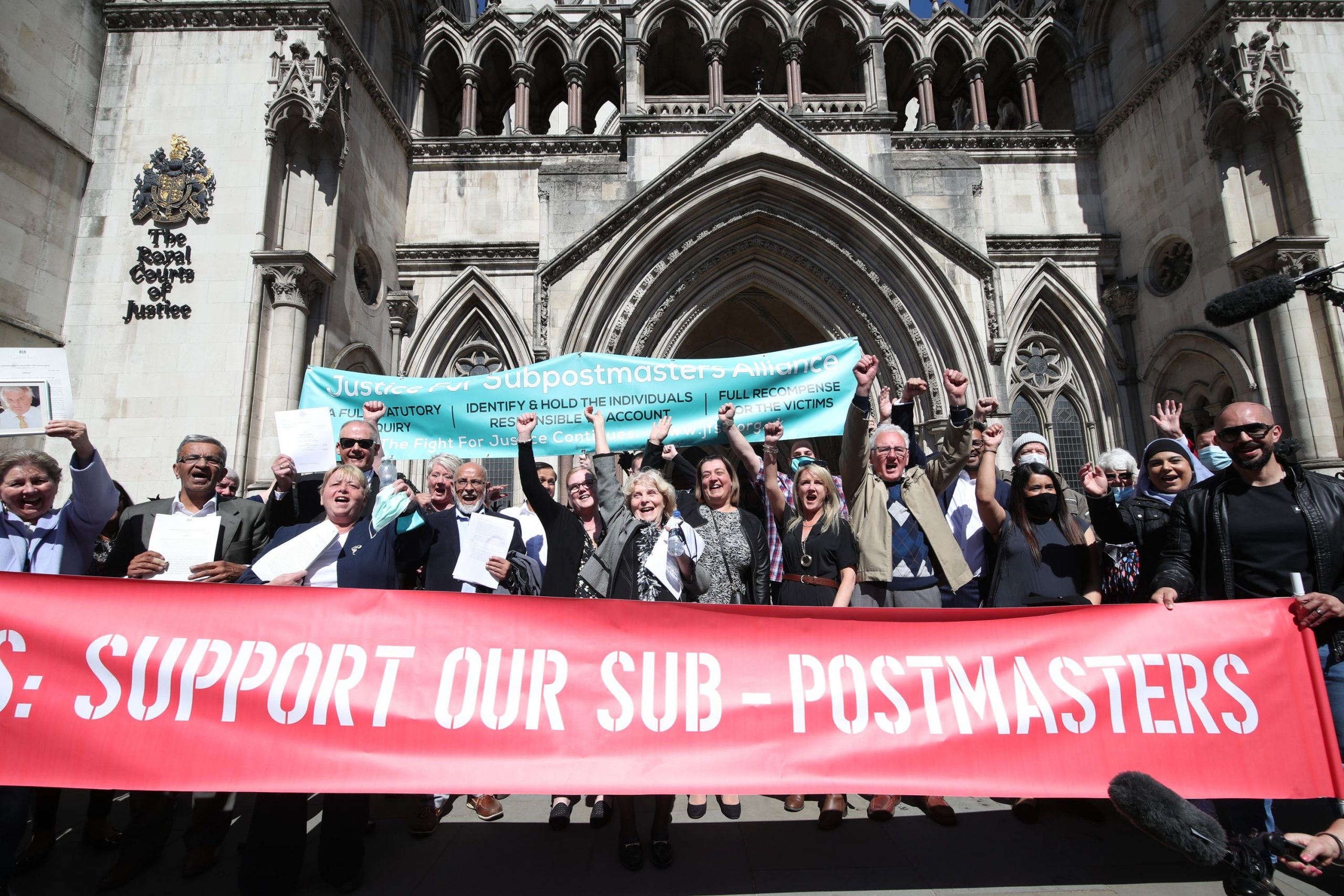 You are currently viewing Former Post Office boss says subpostmasters inquiry should have statutory powers