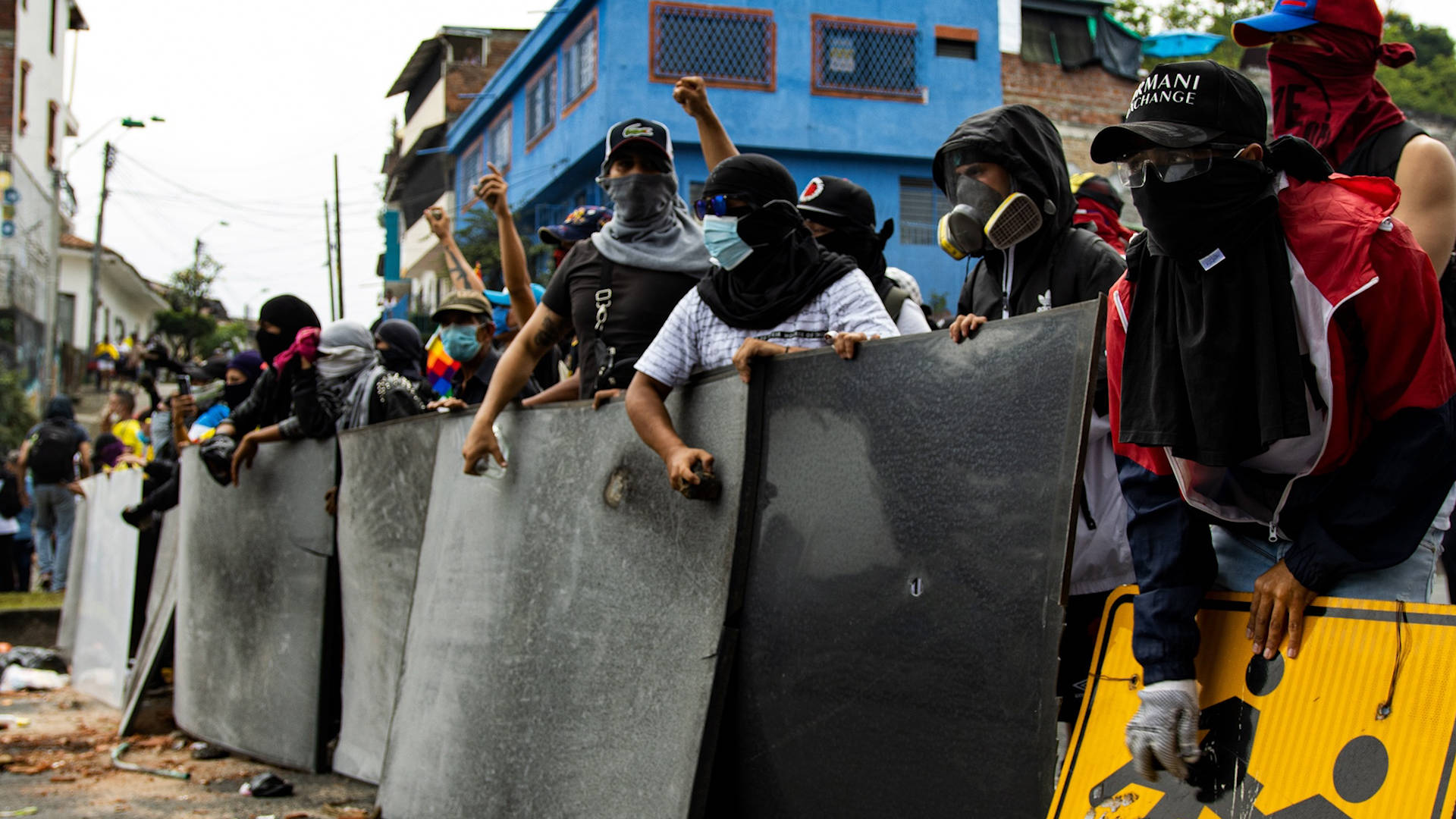 """Read more about the article """"Nothing to Lose"""": Colombians Protest """"Fascist Mafia Regime"""" Amid Deadly Police & Military Crackdown"""