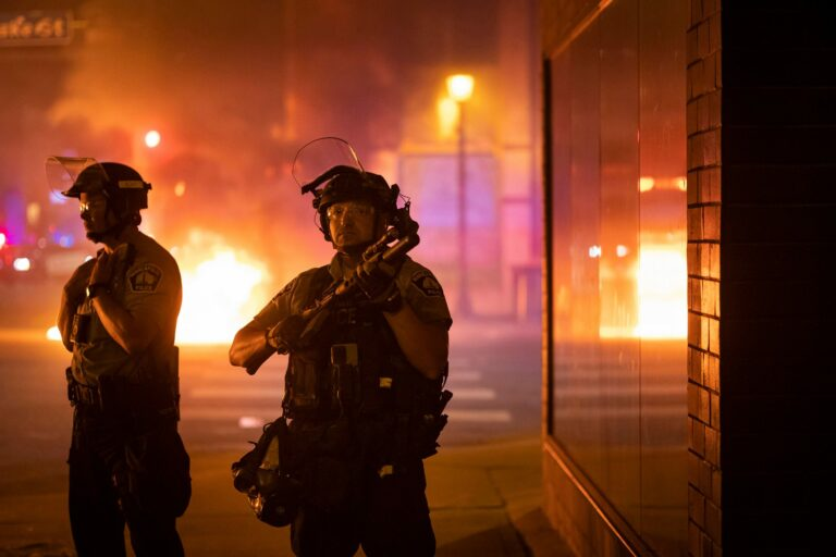 Read more about the article Protests erupt again in Minneapolis over fatal shooting of man by US marshals