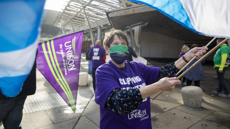 Read more about the article Unison consults NHS workers on industrial action over 3% pay deal