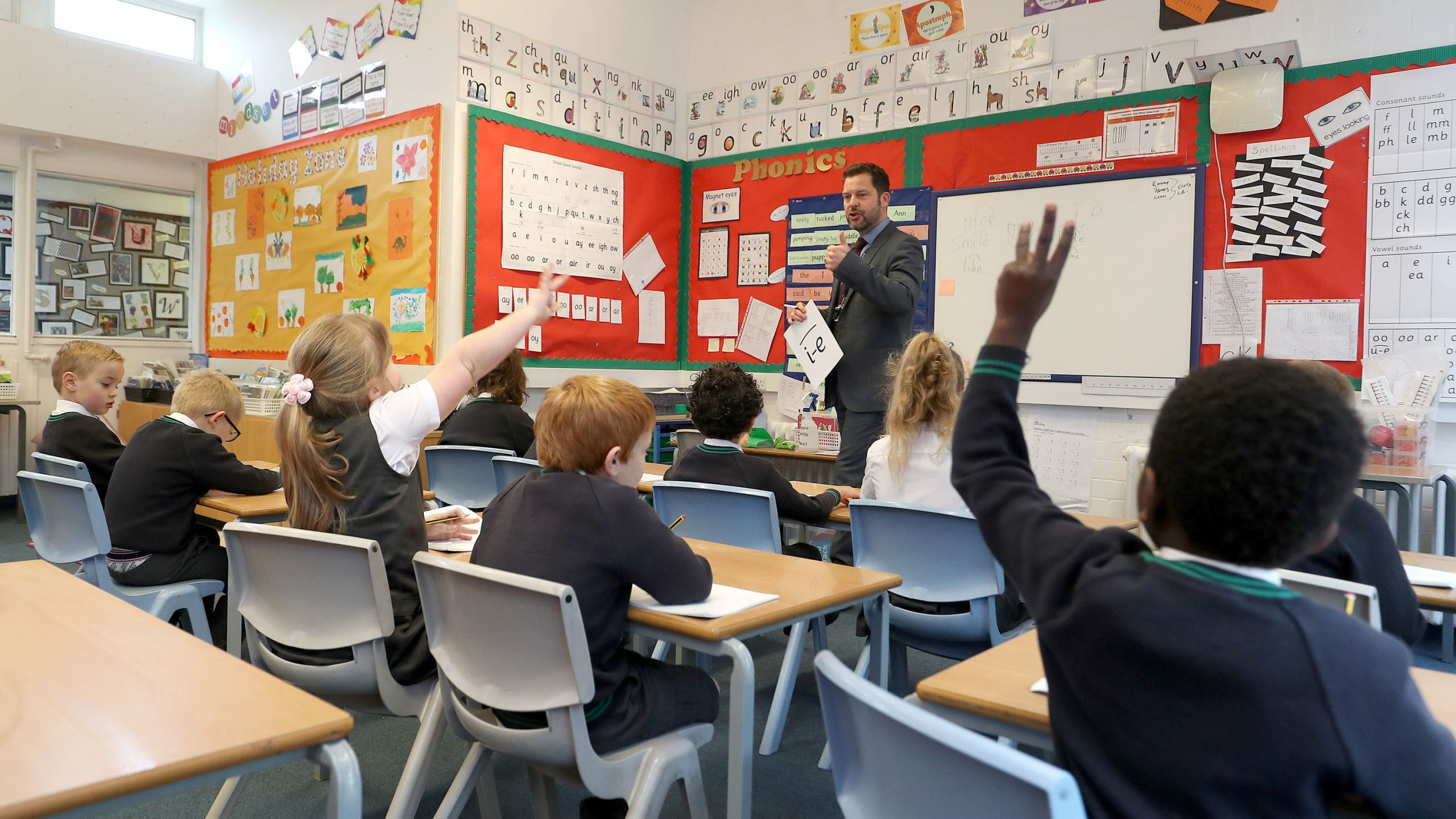 Read more about the article Poorest schools suffered funding cut under Tory reforms says watchdog