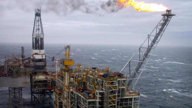Read more about the article If the government doesn't take action on the Cambo oil field its 'climate credibility will go up in smoke'