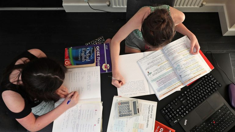 Read more about the article 'Refusal' to make Covid school contingency plans for exams is 'unforgivable'