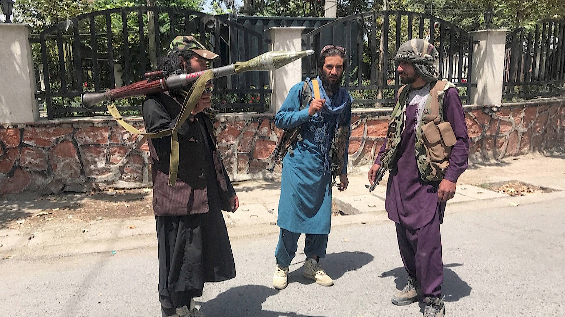 Read more about the article Taliban Seizes Control of Afghanistan; Chaos at Kabul Airport as Thousands Attempt to Flee