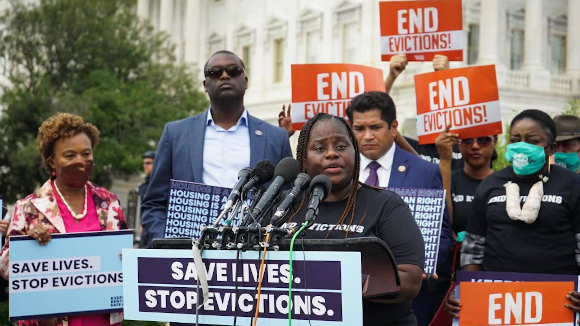 """Read more about the article """"Our Health or Our Homes"""": Tenants Facing Eviction Help Introduce New """"Keeping Renters Safe Act"""""""