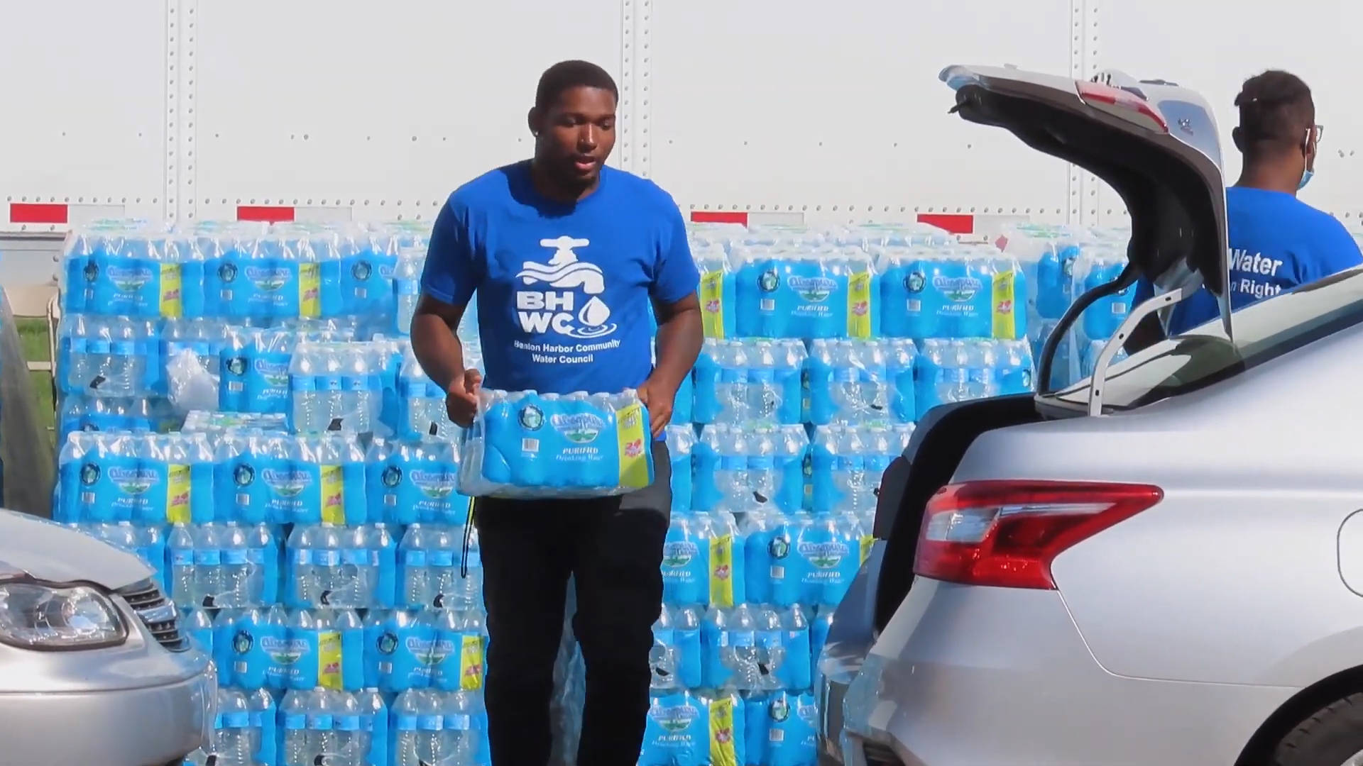 """Read more about the article """"Racism Plays a Major Part"""": Like in Flint, Lead Pipes Leave Benton Harbor, Michigan, with Toxic Water"""